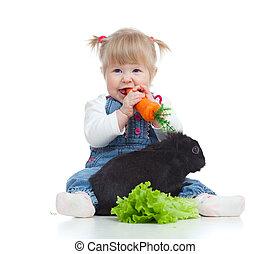 poco, alimentación, comida, piso, lechuga, zanahoria, conejo, niña sonriente