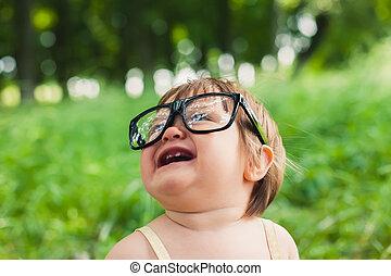 poco, anteojos, niña, naturaleza