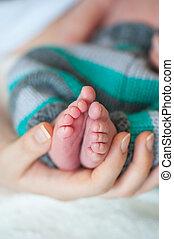 poco, arriba, mano, pies, madre, bebé, cierre
