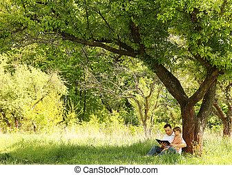 poco, el suyo, hija, padre, joven, biblia, lectura