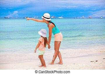 poco, figlia, indicare, indietro, mare, madre, vista