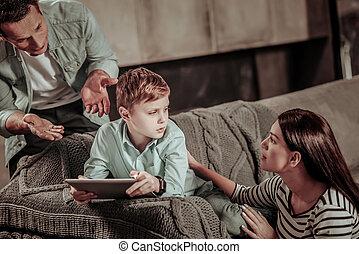 poco, gamer, elaboración, conflicto, situación, en casa