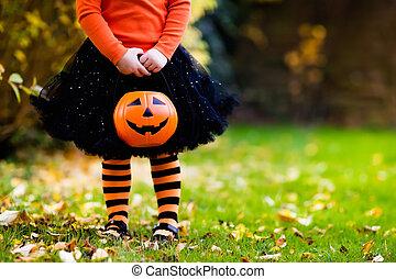 poco, halloween, teniendo, truco, gusto, diversión, niña, o