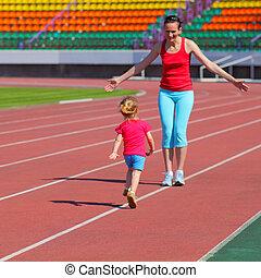 poco, hija, familia , madre, ocupado, corriente, stadium.,...