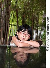poco, niña asiática