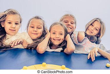 poco, niños, feliz
