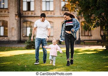 poco, padre, parco, correndo, madre, figlia