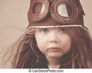 poco, pilota, ragazza, con, cappello