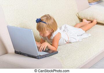 poco, posa, laptop, ragazza, divano