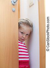 poco, puerta, tímido, atrás, niña, paliza