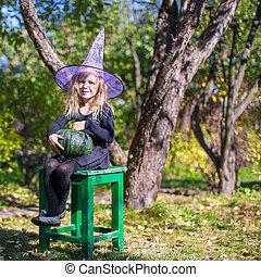 poco, strega halloween, costume, ragazza, adorabile