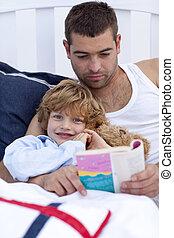 poco, suo, lettura, padre, figlio, letto