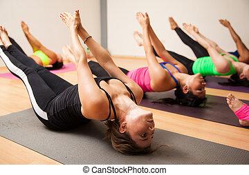 podczas, kobiety, yoga klasa, grupa