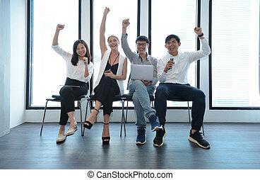 podniecony, teamwork, od, międzynarodówka handlowa, ludzie, powodzenie, fabryka, w, biuro