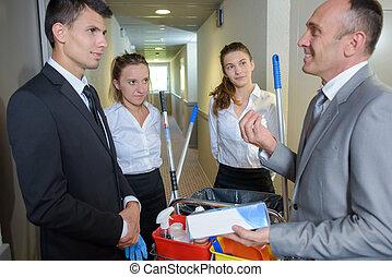 poetsen, team, met, directeur
