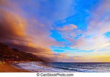 poglina, playa, debajo, un, colorido, cielo, en, ocaso
