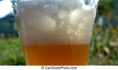 pohár, sör, ömlött
