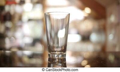 pohár, sör, timelapse