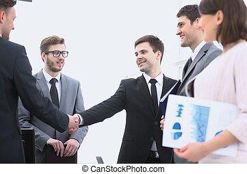 poignée main, associés, avant, réunion affaires