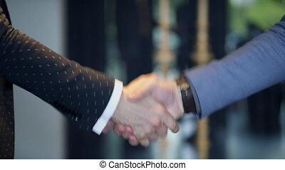 poignée main, hommes affaires, deux, accord, leur, démontrer