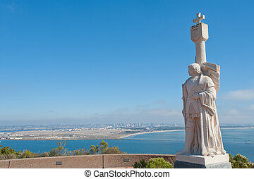 Point Loma panorama - Juan Rodr?guez Cabrillo statue and...