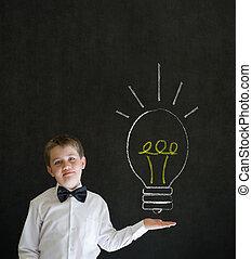 pointage, garçon, homme affaires, à, idée lumineuse, craie, lightbulb
