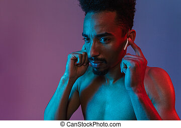 poising, shirtless, earpod, americano, africano, ritratto, bello, uomo