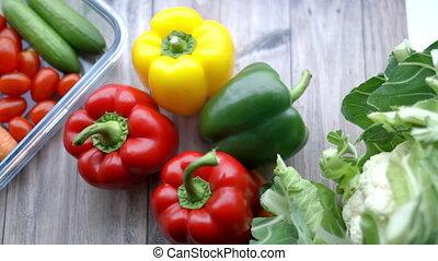 poivres, autre, cloche, bois, légumes, table, coloré, frais