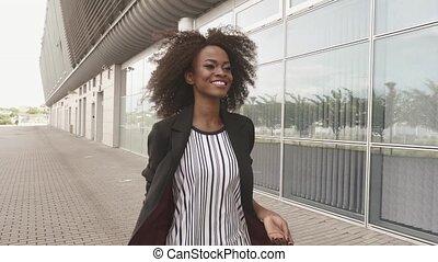 pojęcie, jej, luggage., afrykanin, handlowa dama, szczupły, ...