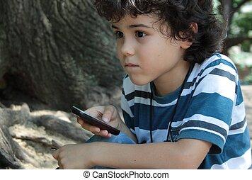 pojke, 2, lockig, mobiltelefon