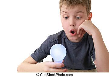 pojke, fästen, _ plugga in, lampa, och, in, överraskning,...