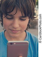 pojke, gata, smartphone