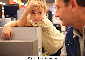 pojke, ser, på, farfar, in, butik