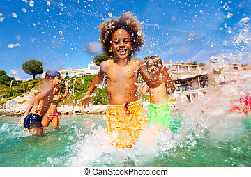 pojke, ytlig, vatten, afrikansk, vänner, leka