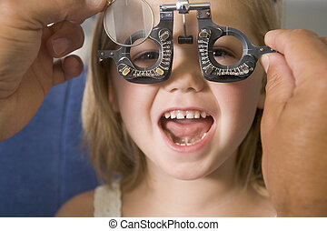 pokój, dziewczyna, młody, optometra, uśmiechanie się, ...