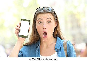 pokaz, outdoors, telefon, mądry, czysty, dziewczyna, ekran, zdziwiony