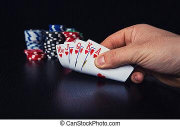 poker, cauto, controllo, giovane, su, giocatore, suo, cartelle, chiudere, mano, gioco, uomo