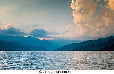 pokhara, coucher soleil, lac