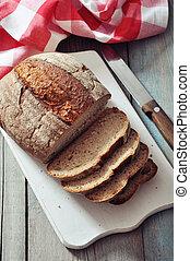 pokrojony, chleb żytni