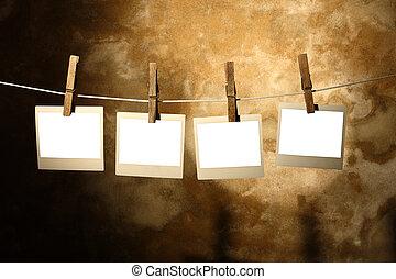 polaroid, foto, gehouden, door, clothespins