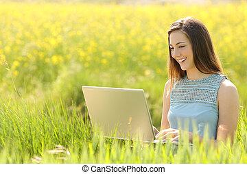 pole, laptop, kobieta, pracujący
