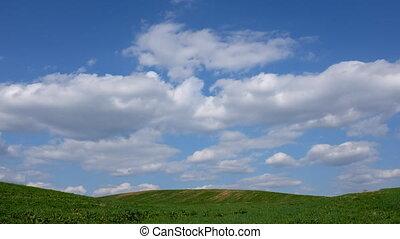 pole, ruchomy, chmury, na