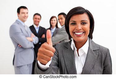 polegar, atraente, femininas, sorrindo, câmera, executivo, ...