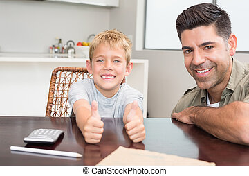 polegar, Dar, pai, cima, filho,  câmera, tabela, sorrindo