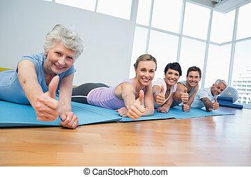 polegares, ioga, grupo, cima, gesticule, classe aptidão