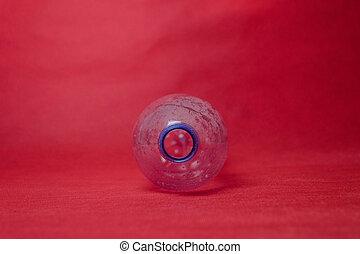 polietileno, concepto, botella, espacio, text., plástico, ambiental, fondo rojo, desperdicio, vacío, contaminación
