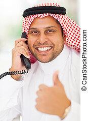 pollice, telefono, abbandono, parlare, landline, uomo affari, arabo