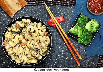 pollo, alfredo, y, bróculi, comida
