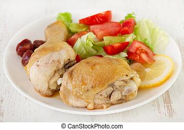 pollo, con, ensalada, en, el, placa blanca