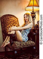 poltrona, bonito, sentando, antigüidades, mulher, lar, jovem